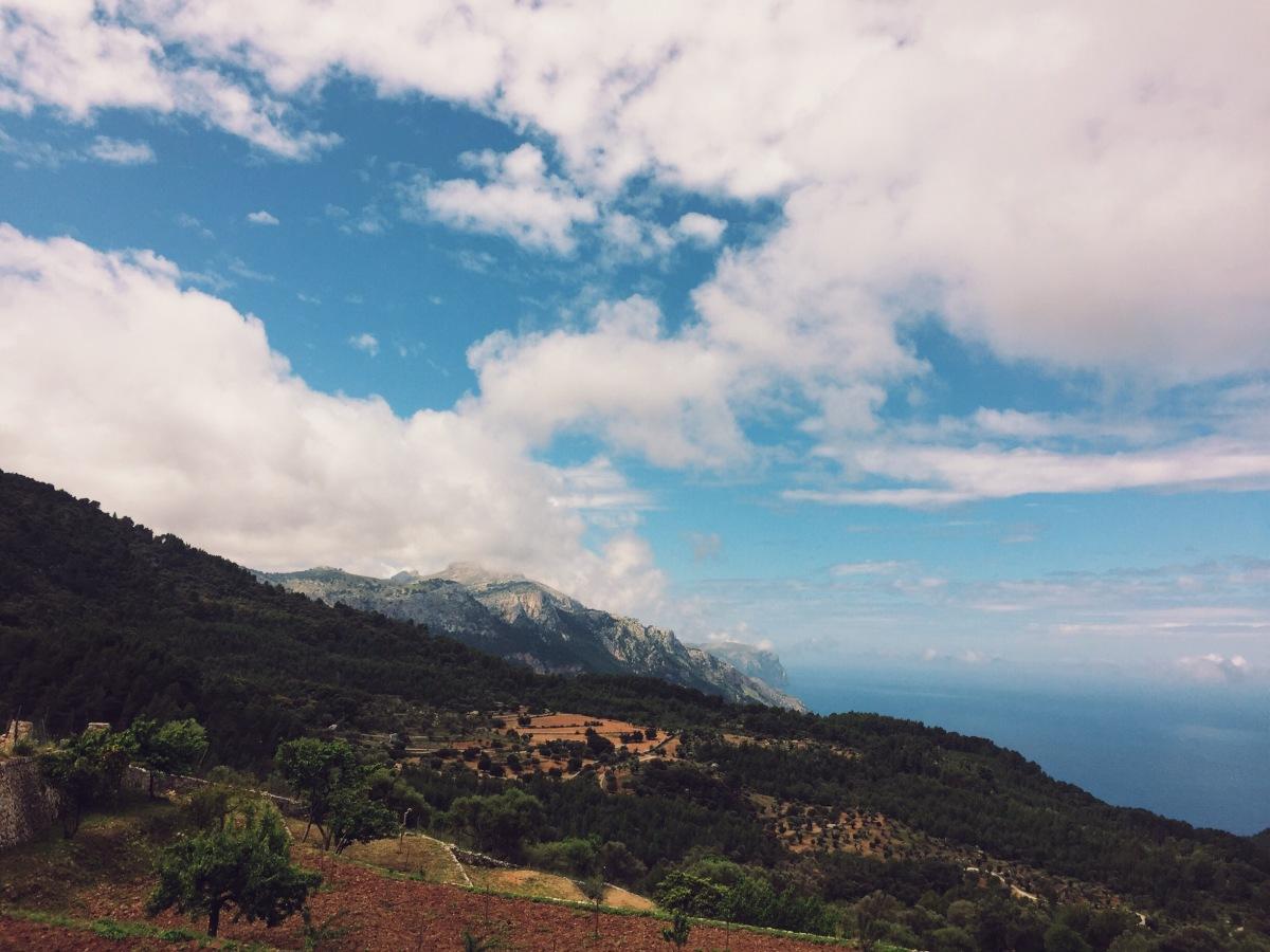 Serra de Tramuntana GR 221: Estellencs - Banyalbafur - Esporles