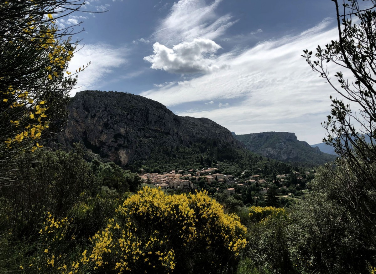 Provence-Alpes-Côte d'Azur: Hiking around Moustier-Sainte-Marie
